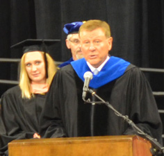 DSC_1303 gillings at podium